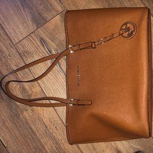 Michael Kors JetSet Tote / Brown shoulder bag